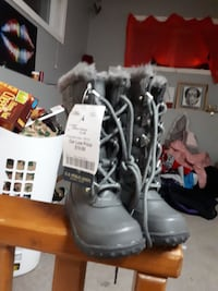 Girls polo boots grey Calgary, T1Y 7J1