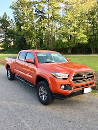 Toyota - Tacoma SR5 Long bed- 2017