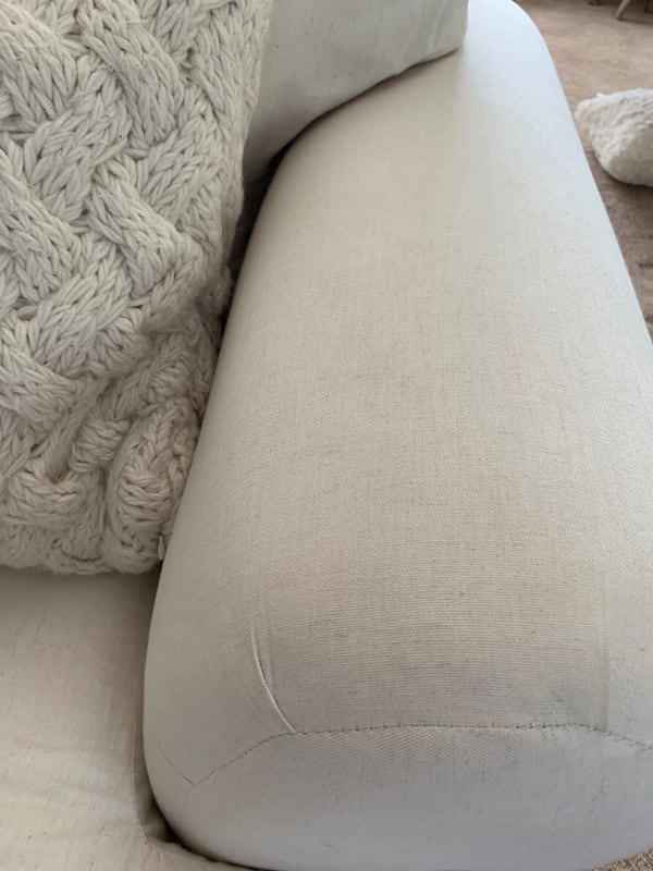 chaise bf82688c-45c1-4f81-a338-eb0fde9125d9