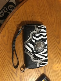 black and white leather wallet null, L2G 6X6