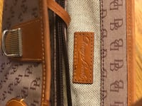 Dooney & Bourke hand bag Warrenton, 20187