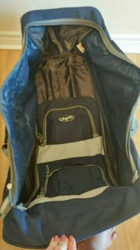 Large Duffle/Hockey Bag with Wheels Mississauga, L5N