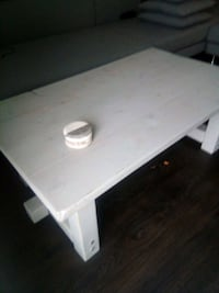 Solid wood coffee table Surrey, V3T 0A8