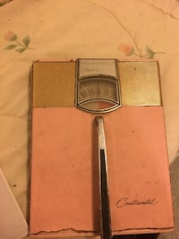 Vintage scale (pink and gold)