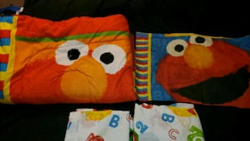 Elmo Bedding Set with Wall stickers
