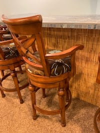 Set of 4 bar stools Oswego