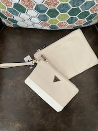 Guess wristlet and pouch New Tecumseth, L0G 1W0