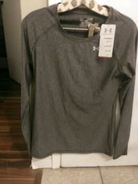 Under Armour Compression Workout long sleeved shirt (XS) Calgary, T2P 1G4