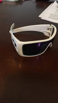 oackley sunglasses 42 km