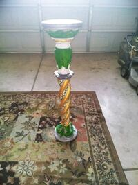 Outdoor pedestal or plant stand. Bakersfield, 93308