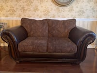 TWO BEAUTIFUL BROWN LEATHER COUCHES. Kirkland, H9J 1K4