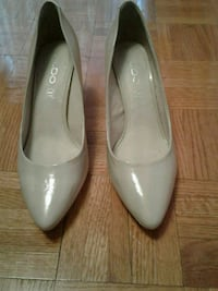 Nude heels size 8  Mississauga, L5B 2C7