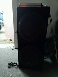 12 in speakers with amp Norfolk, 23513