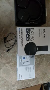 Sony MDR XB650BT Wireless Headphones  Mississauga, L4T 1G5