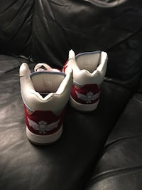 pair of white-and-red Nike sneakers Thousand Oaks, 91360
