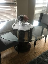 Dining table ( price not negotiable ) Toronto, M5A 4G6