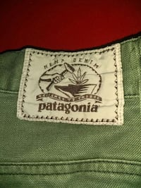 Patagonia W32-L32 men's outdoors wear, worn once,