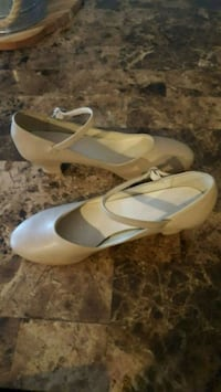 Show choir shoes and pantyhose Grimes, 50111