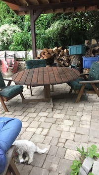 Cedar patio set with 4 chairs