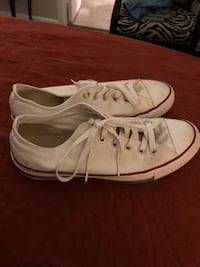 pair of white low-top sneakers Concord, 28027