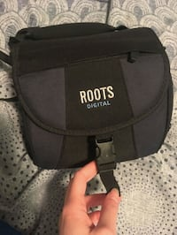 Large roots camera bag Toronto, M9A 4Y1