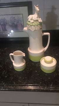 Coffee set w/vintage cap Barrington, 60010
