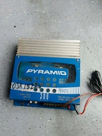 Pyramid 300 watts car amplifier Middletown, 10941