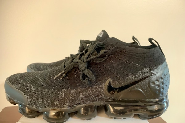 new styles b4eda 8c301 Nike Air Vapormax Flyknit Triple Black size Men's 9.5