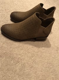 Brand New Booties from Jennaration size 8 Northport, 35473