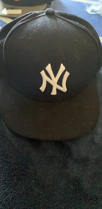 New York Yankees 7 5/8 Fitted New Era Hat New Westminster, V3M 2N2