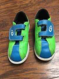 Children's bowling shoes dexter size1 in like new condition  Newark, 94560