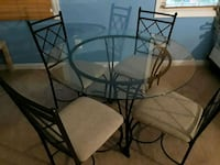 round glass top table with four chairs dining set Centreville, 20121