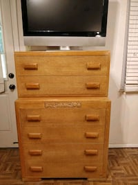 Solid wood chest dresser with big drawers in very  Annandale, 22003