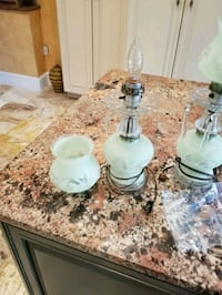 Set of two green lamps, they work & are beautiful Alexandria, 22314