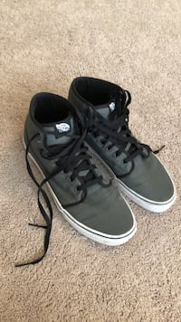 gray-and-black VANS high shoes Cabot, 72023