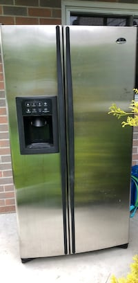 black side-by-side refrigerator with dispenser Newmarket, L3Y