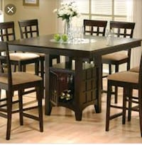 Solid oak dinning room table Columbus, 47201