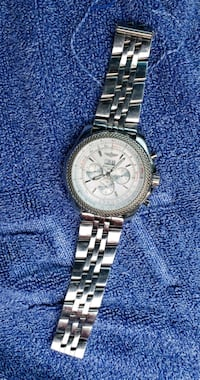 round silver chronograph watch with link bracelet Langley, V2Y 3B9