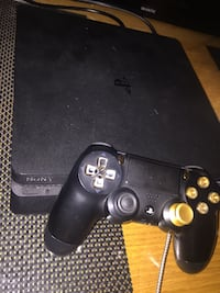 PlayStation 4 slim Stockholm, 164 36