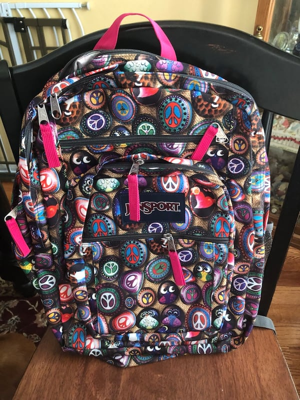 2 Jansport backpacks 54266c40-9579-4c2e-a12b-f0dcb5644c51