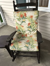 2 wooden rocking chairs with floral pads Parma, 44134