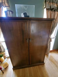 1920s gentlemans compactum perfect place for a closet in your Room