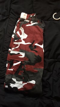 red and white camouflage cargo pants Burnaby, V5H 3A8