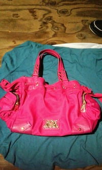 Juicy Couture Hot Pink Purse  Burnaby, V5B