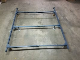 Qeen bed frame