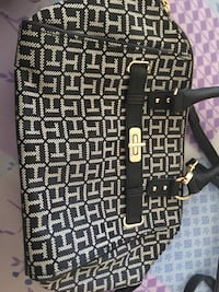 Lots of branded purses like fossil Tommmy Hilfiger n coach for very less price  Toronto, M9R 1S9