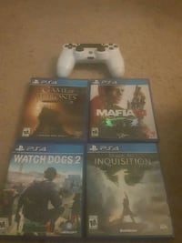 Ps4 controller and 4 games Omaha, 68164