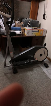 Black and gray treadmill with treadmill Toronto, M1G 2R9