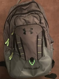 Gray and black under armor backpack Gastonia, 28052