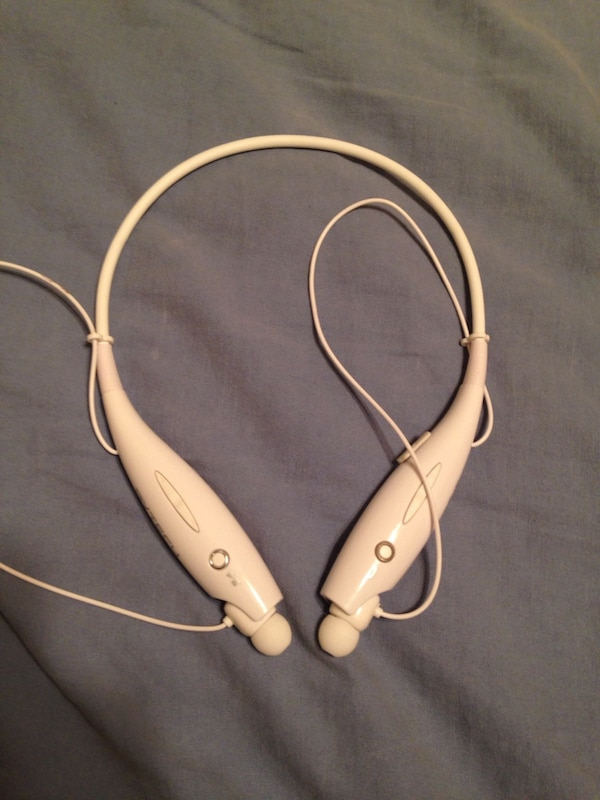 1e59aaa27d4 Used Bytech Bluetooth headphones for sale in Winter Park - letgo